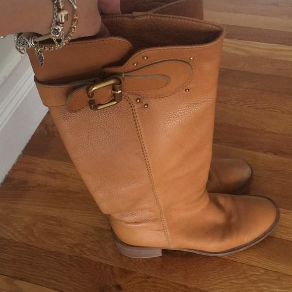 c2e0eafa2d5 Chloe leather boots. Chloe. M 5b159090819e90a99cb054e9.  M 5b15909b61974578f3651795. M 5b1590ac7386bc4a0494d1fb.  M 5bae631c3e0caab6f72c5bb7